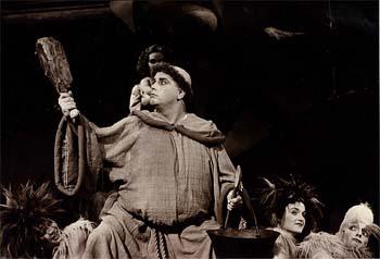 Otto Jankovich als Bruder Tuk